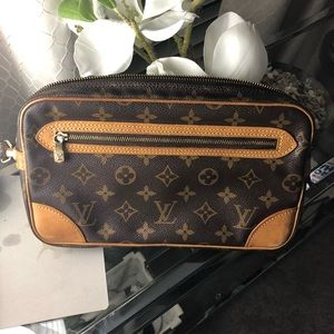 Authentic LV tote, barely used less than 3 times.